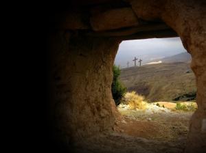 empty_tomb_view)of_3_crosses